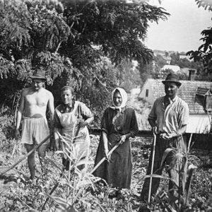 50-roky-20-st-rodina-besedova-pri-rybniku-v-dnv