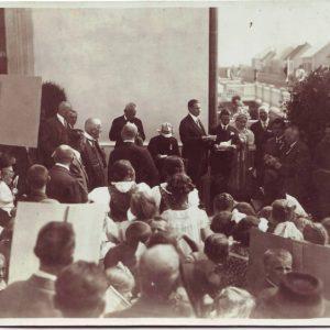 otvorenie-skoly-1926uvadza-m-encinger